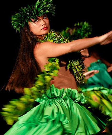 Hula dancer at the Old Lahaina Luau